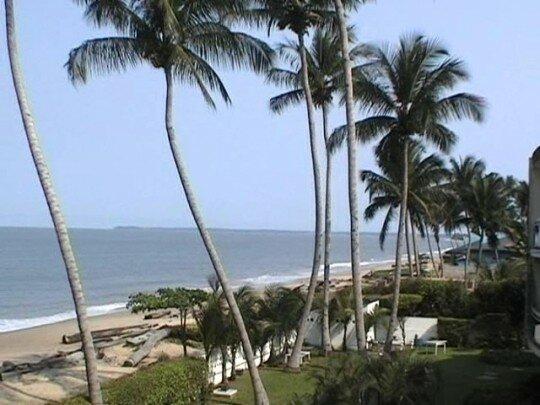 plage-palmier-mer-libreville-equateur-662470