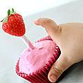 Une fraise, une paille rétro {déco cupcake facile n°4}