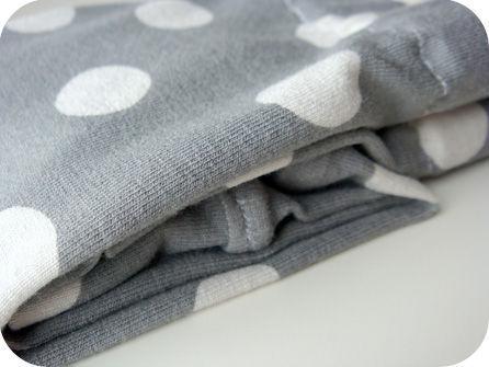 jersey gris éléphant pois gris clair