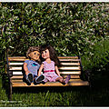 Les amoureux qui se bécotent sur les <b>bancs</b> <b>publics</b>... Lovers who smooch themselves on <b>public</b> benches