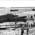 L 'Archive du Jour : Arromanches 1945