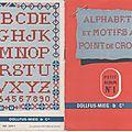 Alphabets et motifs au point de croix 1