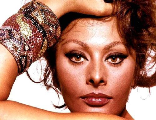 Sophia-Loren-top-10-most-beautiful-eyes-celebrities-model-photography-01