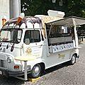 Renault estafette surélevée arlecchino gelateria