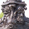 Mythologie grecque sur photophore du Pont-Neuf à Paris