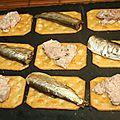 Crackers au foie de morue et mini sardines (sprats)