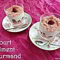 Yaourt framboises et biscuit rose