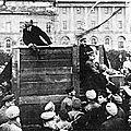 Lénine s'adressant à des soldats