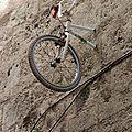 Vélo suspendu, Montpellier_0704