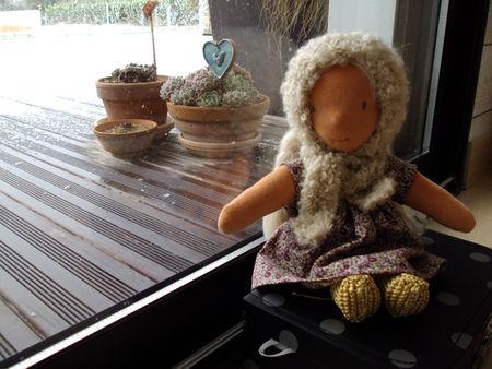Suzanne en Liberty Eloïse poupée, béguin, écharpe, botillons...