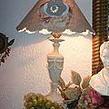 lampe patine lin style Louis XVI, abat-jour lin fleur