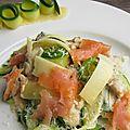 Tagliatelles de courgettes aux deux cantal, fruits de mer et saumon fumé.