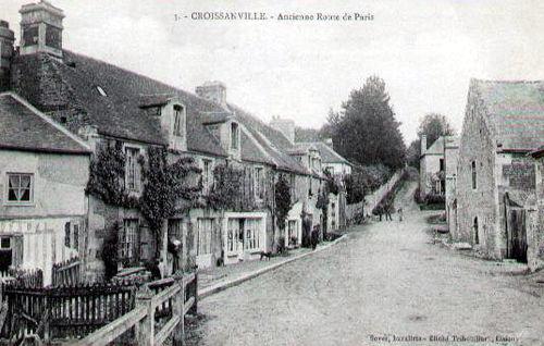 Croissanville - le bourg (ancienne route de Paris)