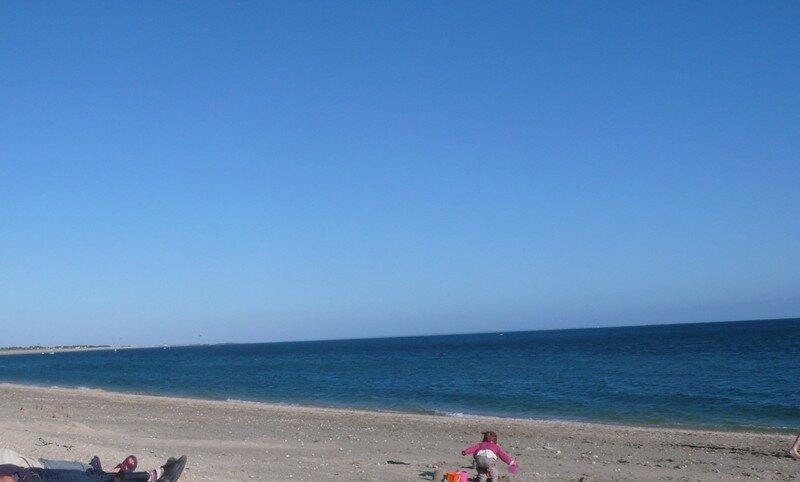 Plazhi i pafund veç jo shumë i nxehtë