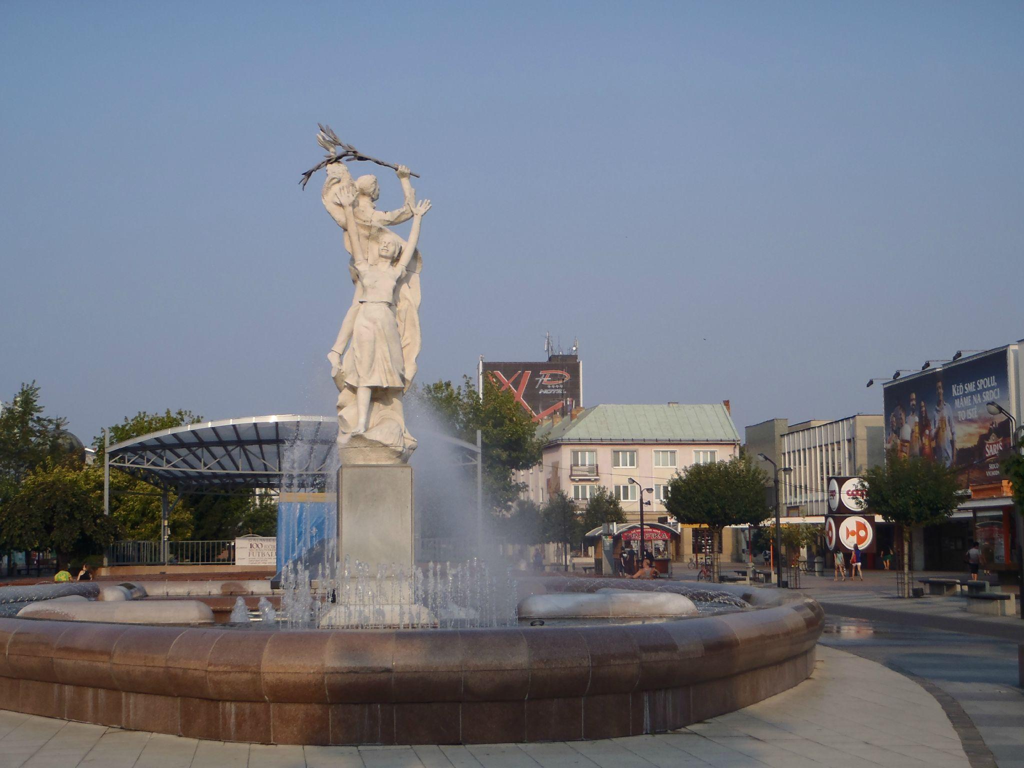 slovaquie - michalov fontaine influence soviet