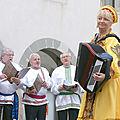 Ambassadrice folklore russe en chablais.