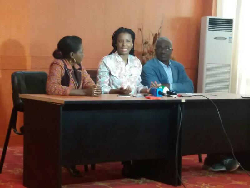 Pendant la conférence de presse que j'ai modérée cet après-midi