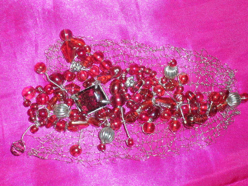 BROCHE RED BLOOD