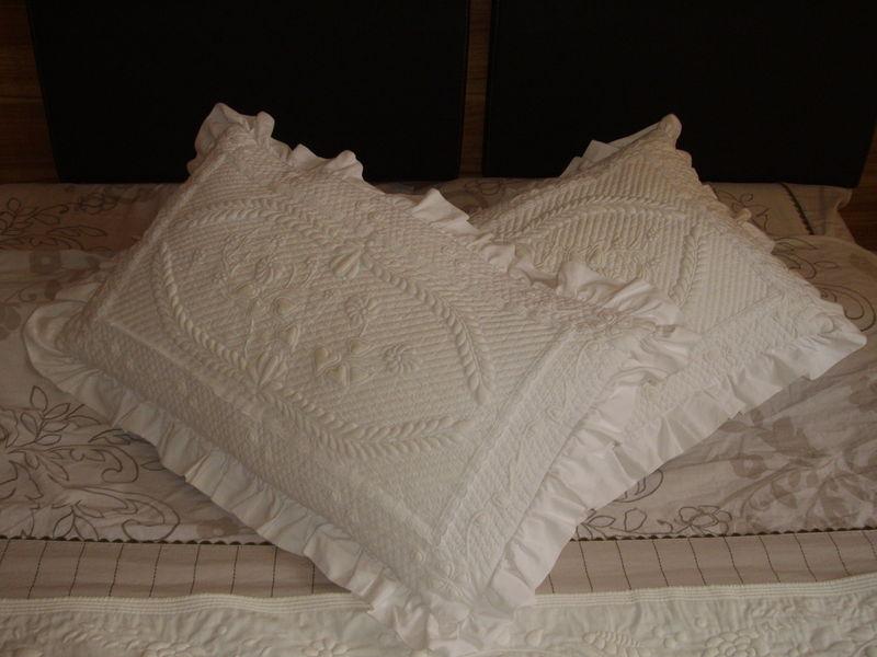 oreiller trapunto blanc