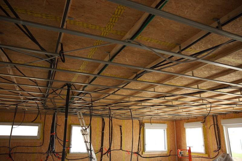pose des rails 09 02 2010 notre maison ossature bois en loire atlantique. Black Bedroom Furniture Sets. Home Design Ideas
