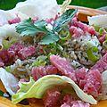 Salade de riz croustillant aux <b>nem</b> chua