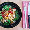 Le retour des salades estivales avec la salade de pâtes de légumes