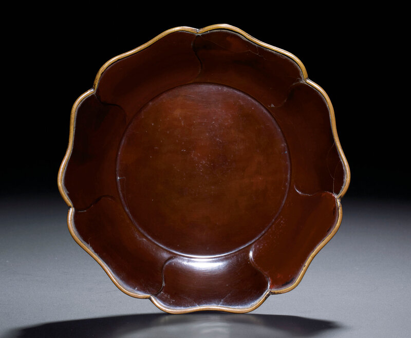 2013_HGK_03213_2317_000(a_brown_lacquer_mallow-form_dish_song_dynasty)