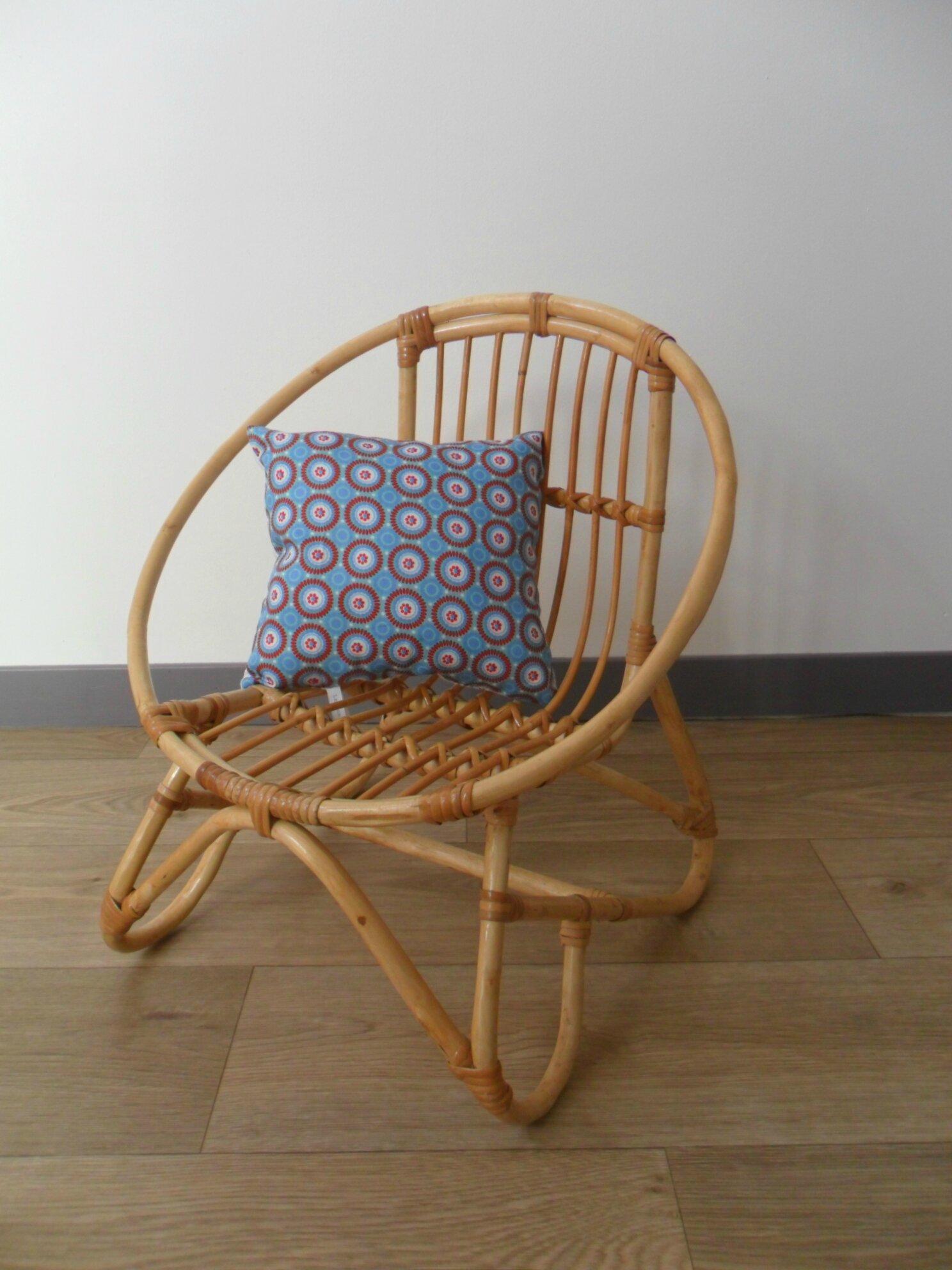 Fauteuil / chaise vintage en rotin / osier pour enfant ANCIEN réservé€ frais de port 10€ contacter l'auteur pour commander, plus de photos dans la rubrique PAGES