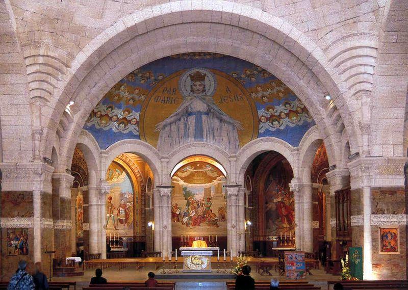 Lourdes, la Basilique du Rosaire, intérieur