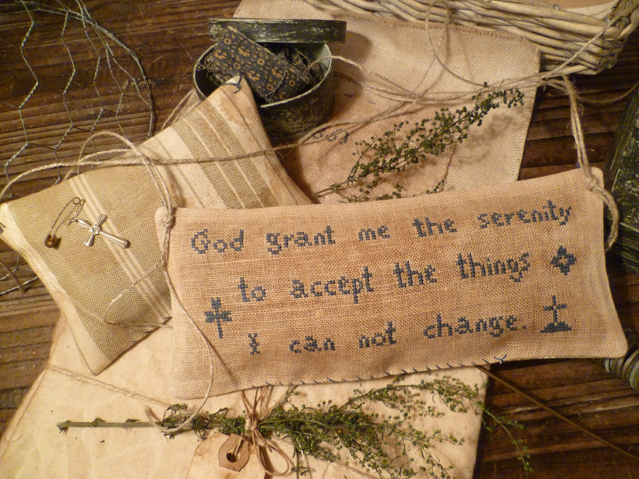 Set of 3 patterns: When this you see, remember me + God grant me the serenity+ Annie Virginia Sanders) US $ 16.00