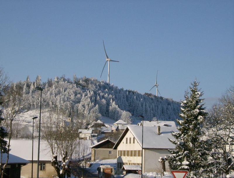 Les éoliennes de St Brais