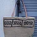 Sac cabas réalisé en toile de jute de sac à café - réversible blanc - poche zippée - anses cuir