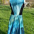 2014-03 robe qui danse Nomade bleu Aurore avec Noémi