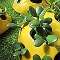 Petites pierres jaunes en céramique