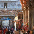 Effervescence devant le temple de Thiruvannamalai
