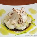 Carpaccio de Saint-Jacques mariné au citron vert sur sa gelée de <b>champignons</b> de <b>Paris</b> d'après Anne-Sophie Pic