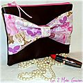 trousse en simili cuir chocolat et noeud Melle Paris rose