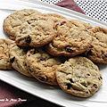 Biscuits à la farine d'avoine et aux <b>pépites</b> de <b>chocolat</b>, sans gluten et sans lactose