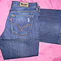 BLUE JEAN Marque LEVI'S BOOTCUT 572 Taille 42