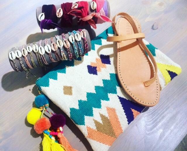 bracelet cauris pochette ethnique chicosoleil sandales cuir lanapo boutique Avant Après montpellier