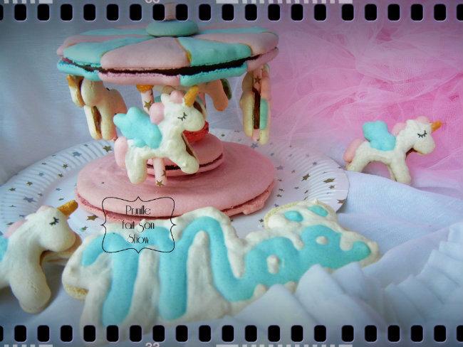 Carrousel qui tourne en macaron et ses licornes