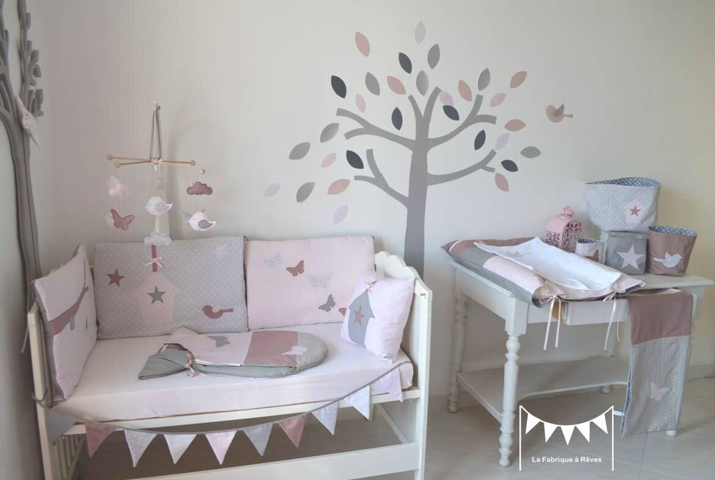 d coration chmbre b b enfant fille rose poudr gris rose ancien papillons oiseau nichoir nuage. Black Bedroom Furniture Sets. Home Design Ideas