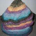 LE bonnet Mandchourie de ELLE TRICOTE