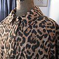 Veste VICTORINE en toile de coton imprimé léopard - Doublure de satin noire (20)