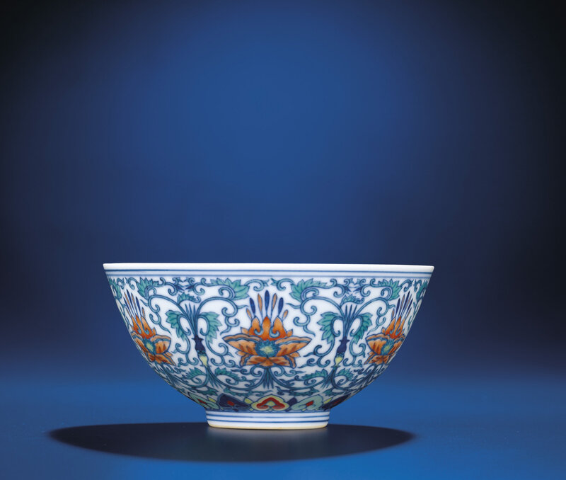 Adoucai'Floral' bowl, Jiaqing six-character seal mark and of the period (1796-1820)