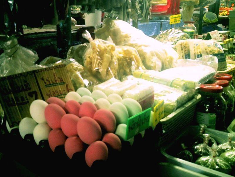 Mae Hong Son - les oeufs rose bonbon