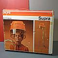 Un casque sèche-cheveux très seventies, le modèle Supra de la marque Krups ! Orange et vintage, rien que ça !