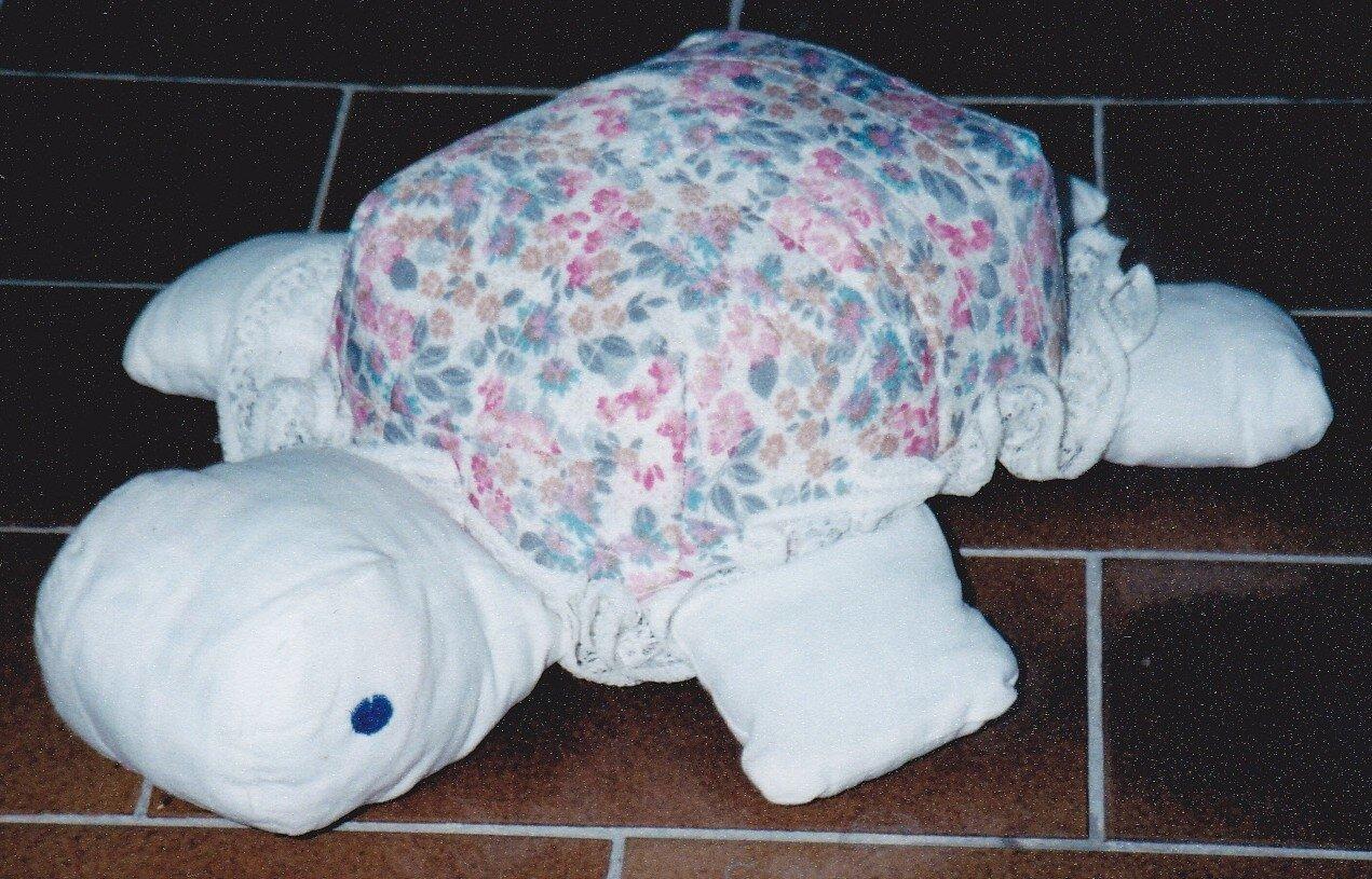 tortue fleurie en tissus