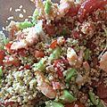 Salade aux boulgour, crevettes, pamplemousses et aux herbes