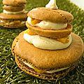 Macarons façon religieuse, mangue et crémeux vanille